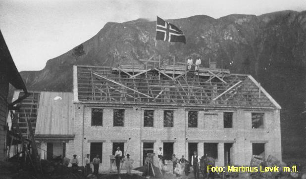 Tresfjord meieri - mønkanne 1920 (Tresfjord museum).jpg